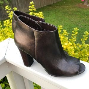 Women's Nine West Size 9 Ankle Booties